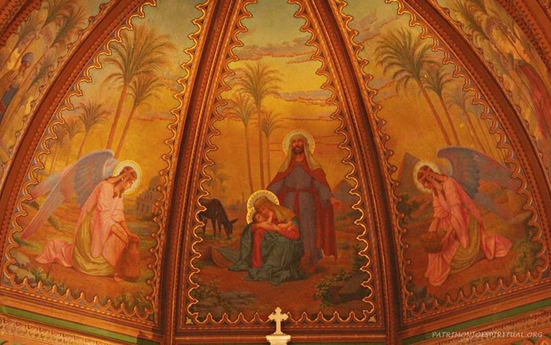 Abóbada da capela-mor, com a Sagrada Família no período de seu desterro no Egito. Pode-se inclusive reparar nas pirâmides, representadas na pintura