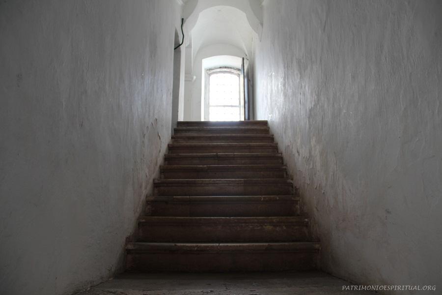 Escadaria de acesso ao coro