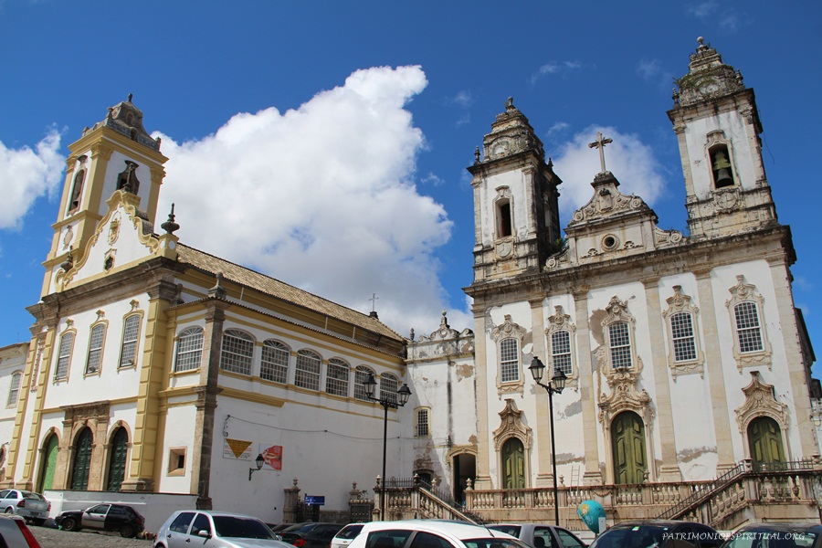 Igreja do Convento do Carmo (esq.) e igreja da Ordem Terceira (dir.)